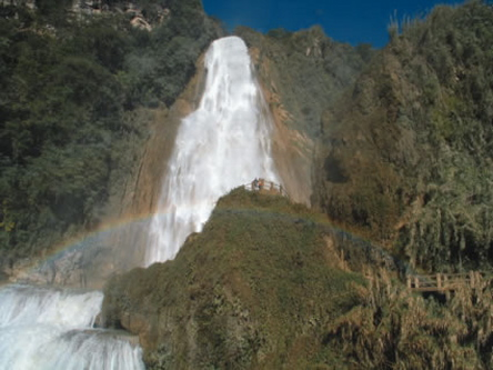waterfall_chiapas_mexico.jpg
